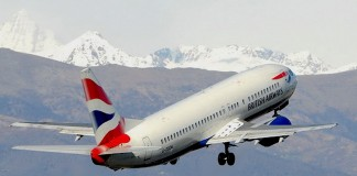 Aereo British Airways al decollo